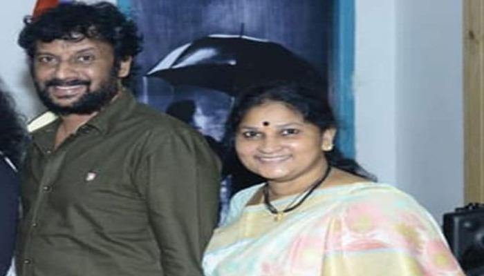 ప్రముఖ నటుడు ఉత్తేజ్ సతీమణి పద్మావతి కన్నుమూత